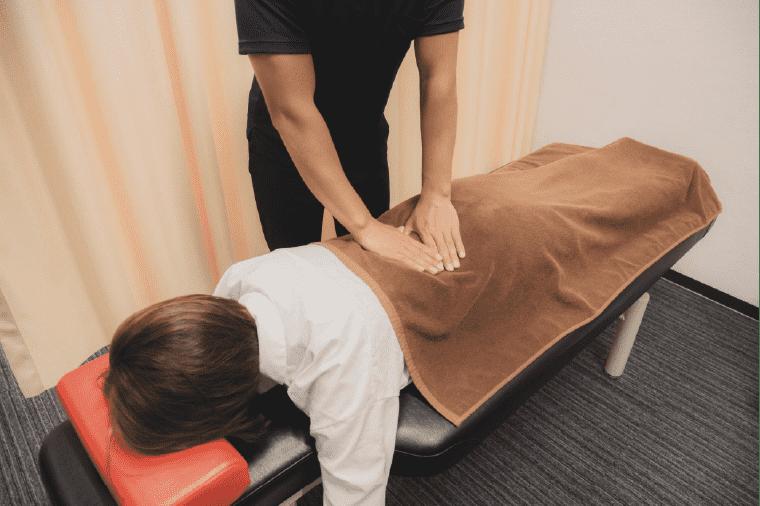 「骨筋アライメント手技調整」の施術写真